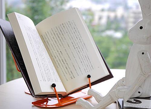 お料理本に、参考書に立てて使えて便利です♪ブックレスト